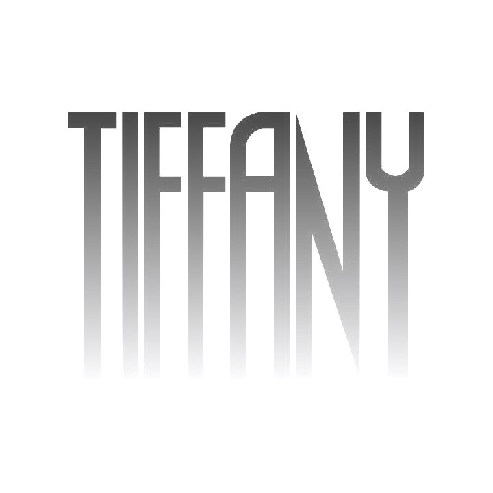 Front af sort lang kjole fra Tiffany
